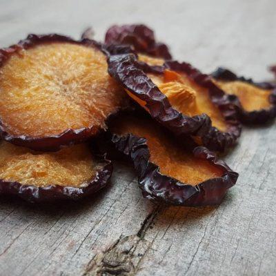 פירות מיובשים טבעיים - שזיף אדום