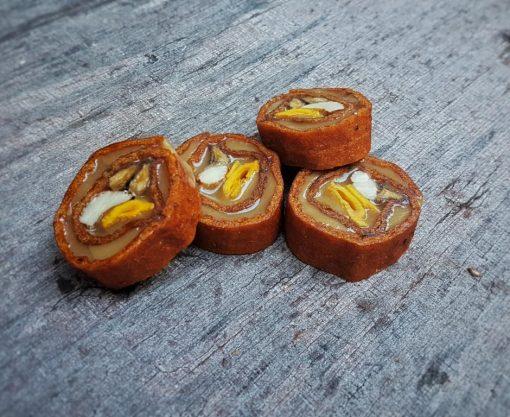 עידן הפרי - סושי פירות יבשים - לדר אפרסמון במילוי טחינה